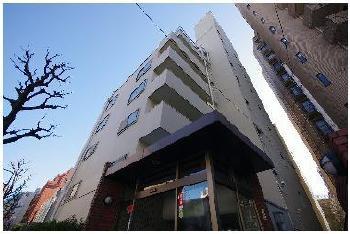 東京都千代田区、麹町駅徒歩11分の築46年 9階建の賃貸マンション