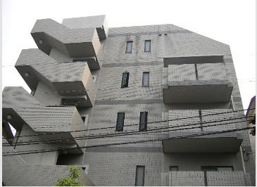 東京都新宿区、若松河田駅徒歩5分の築20年 5階建の賃貸マンション