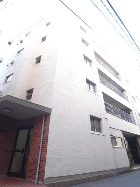 東京都新宿区、高田馬場駅徒歩15分の築50年 4階建の賃貸マンション