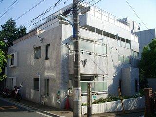 東京都新宿区、飯田橋駅徒歩11分の築32年 4階建の賃貸マンション