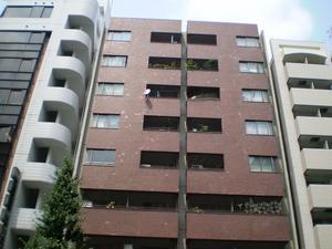 東京都文京区、御茶ノ水駅徒歩7分の築37年 9階建の賃貸マンション