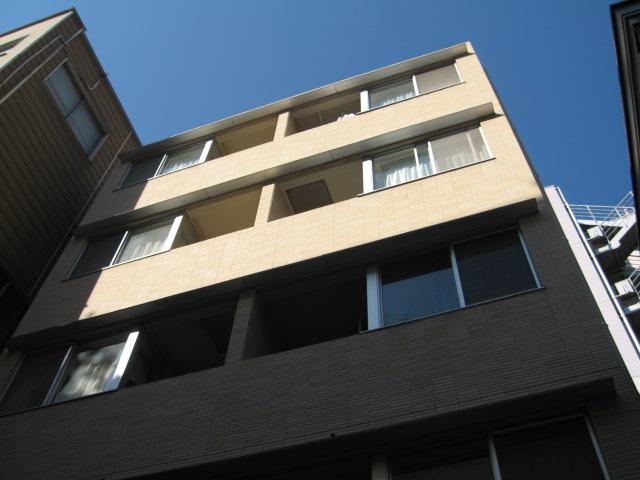 東京都千代田区、御茶ノ水駅徒歩7分の築13年 5階建の賃貸マンション