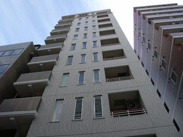 東京都中央区、新日本橋駅徒歩6分の築12年 11階建の賃貸マンション