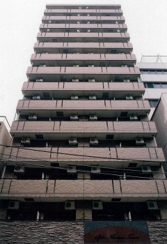 東京都中央区、日本橋駅徒歩3分の築14年 14階建の賃貸マンション