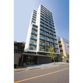 東京都新宿区、神楽坂駅徒歩13分の築10年 14階建の賃貸マンション