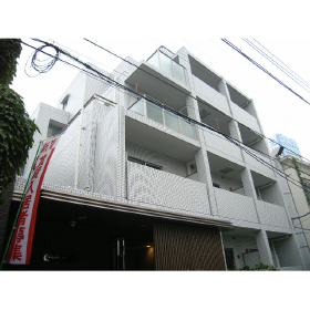 東京都新宿区、神楽坂駅徒歩7分の築9年 5階建の賃貸マンション