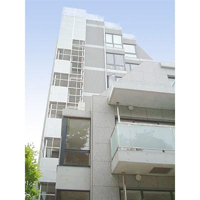 東京都新宿区、千駄ケ谷駅徒歩9分の築15年 8階建の賃貸マンション