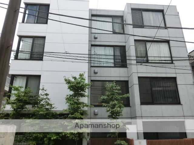 東京都新宿区、四谷三丁目駅徒歩11分の築4年 4階建の賃貸マンション
