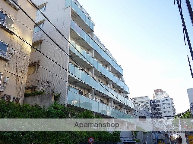 東京都新宿区、四ツ谷駅徒歩13分の築8年 6階建の賃貸マンション