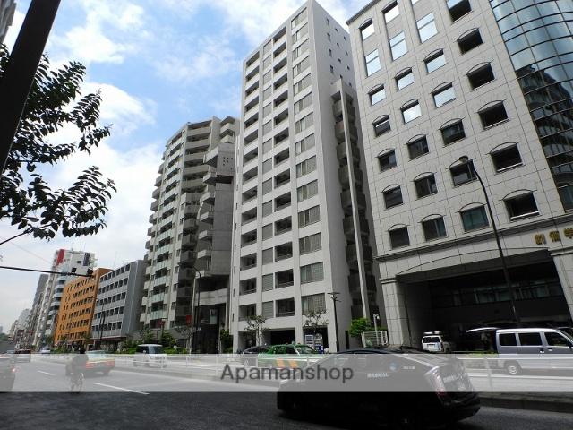 東京都新宿区、信濃町駅徒歩8分の築13年 15階建の賃貸マンション