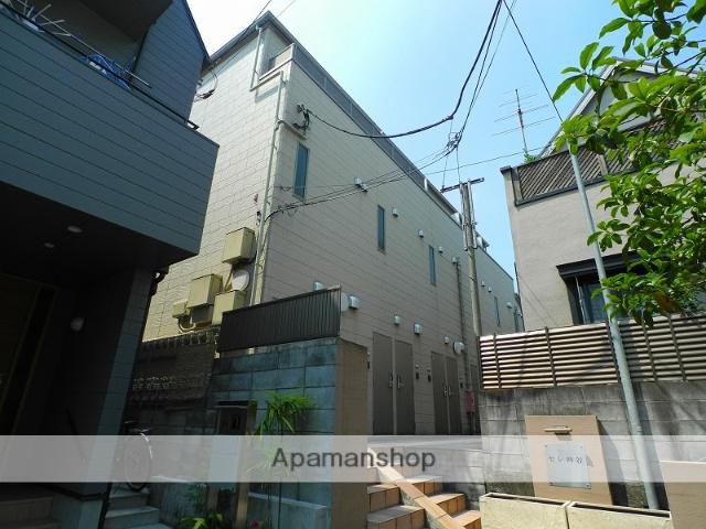 東京都新宿区、信濃町駅徒歩12分の築10年 3階建の賃貸マンション