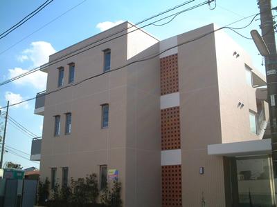 東京都世田谷区、駒沢大学駅徒歩22分の築12年 3階建の賃貸マンション
