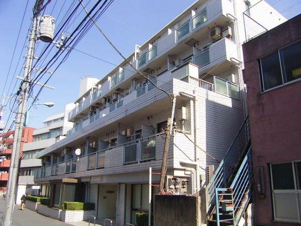 東京都新宿区、高田馬場駅徒歩4分の築32年 5階建の賃貸マンション