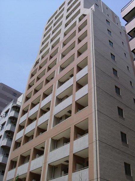 東京都渋谷区、笹塚駅徒歩3分の築13年 15階建の賃貸マンション