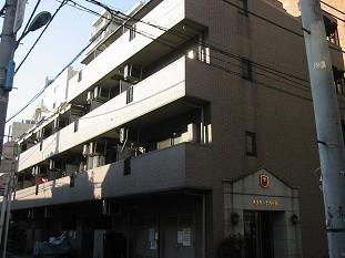 東京都新宿区、四ツ谷駅徒歩9分の築18年 5階建の賃貸マンション