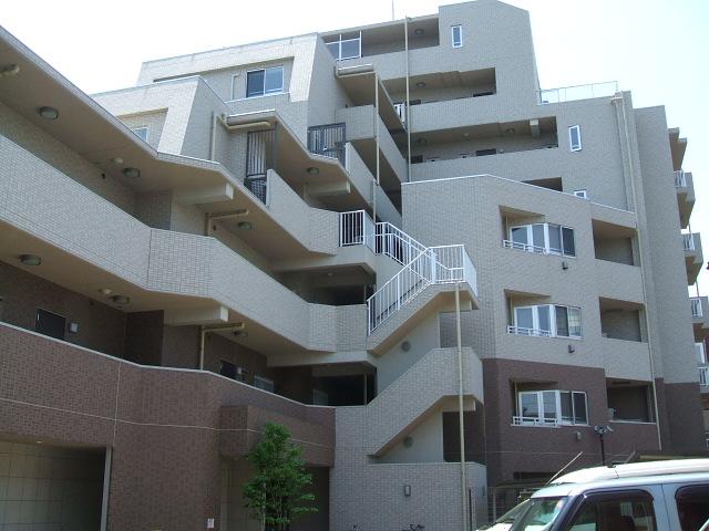 東京都新宿区、四谷三丁目駅徒歩7分の築11年 9階建の賃貸マンション