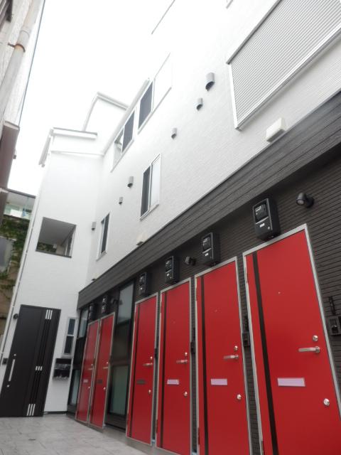 東京都足立区、王子神谷駅徒歩15分の新築 3階建の賃貸アパート
