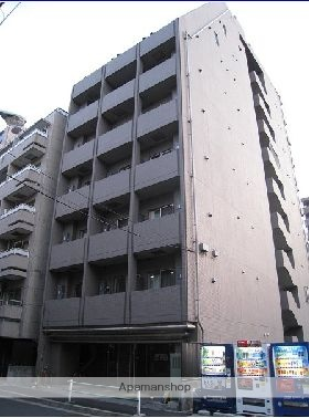 東京都港区、田町駅徒歩11分の築13年 10階建の賃貸マンション