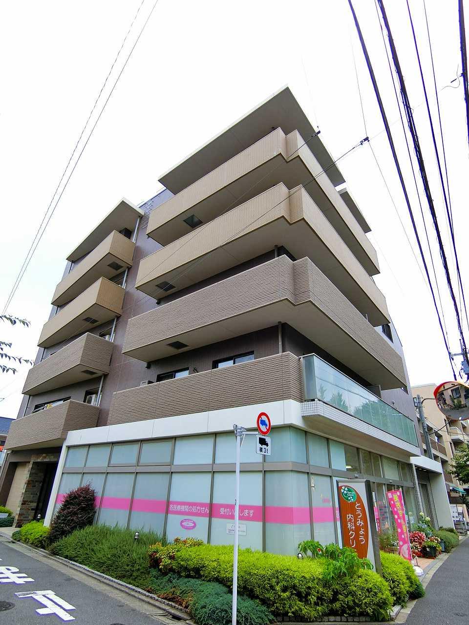 東京都練馬区、富士見台駅徒歩17分の築8年 5階建の賃貸マンション