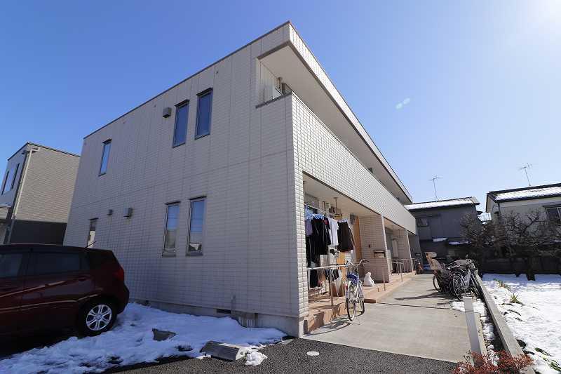 東京都練馬区、成増駅バス10分土支田2丁目バス停下車後徒歩2分の築3年 2階建の賃貸マンション
