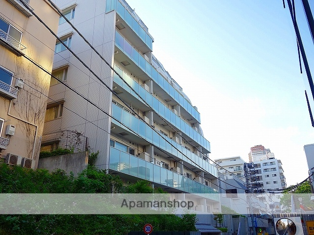 東京都新宿区、四ツ谷駅徒歩13分の築8年 8階建の賃貸マンション