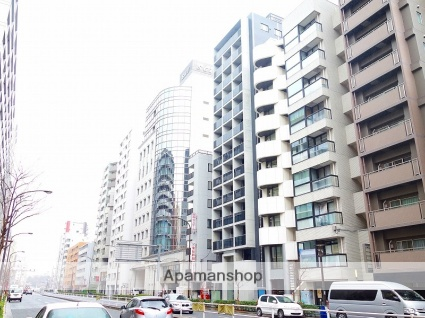 東京都新宿区、信濃町駅徒歩9分の築1年 13階建の賃貸マンション