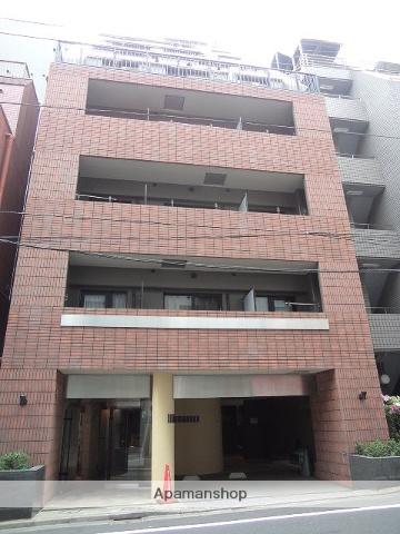 東京都千代田区、九段下駅徒歩10分の築15年 9階建の賃貸マンション