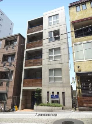 東京都港区、白金高輪駅徒歩4分の築13年 5階建の賃貸マンション