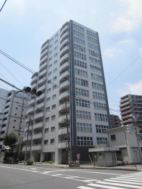 東京都台東区、鶯谷駅徒歩10分の築12年 14階建の賃貸マンション