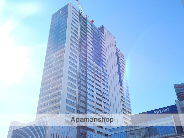 東京都立川市、立川駅徒歩3分の築1年 32階建の賃貸マンション