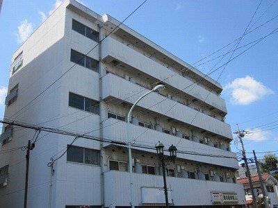 東京都立川市、立川駅徒歩18分の築30年 5階建の賃貸マンション