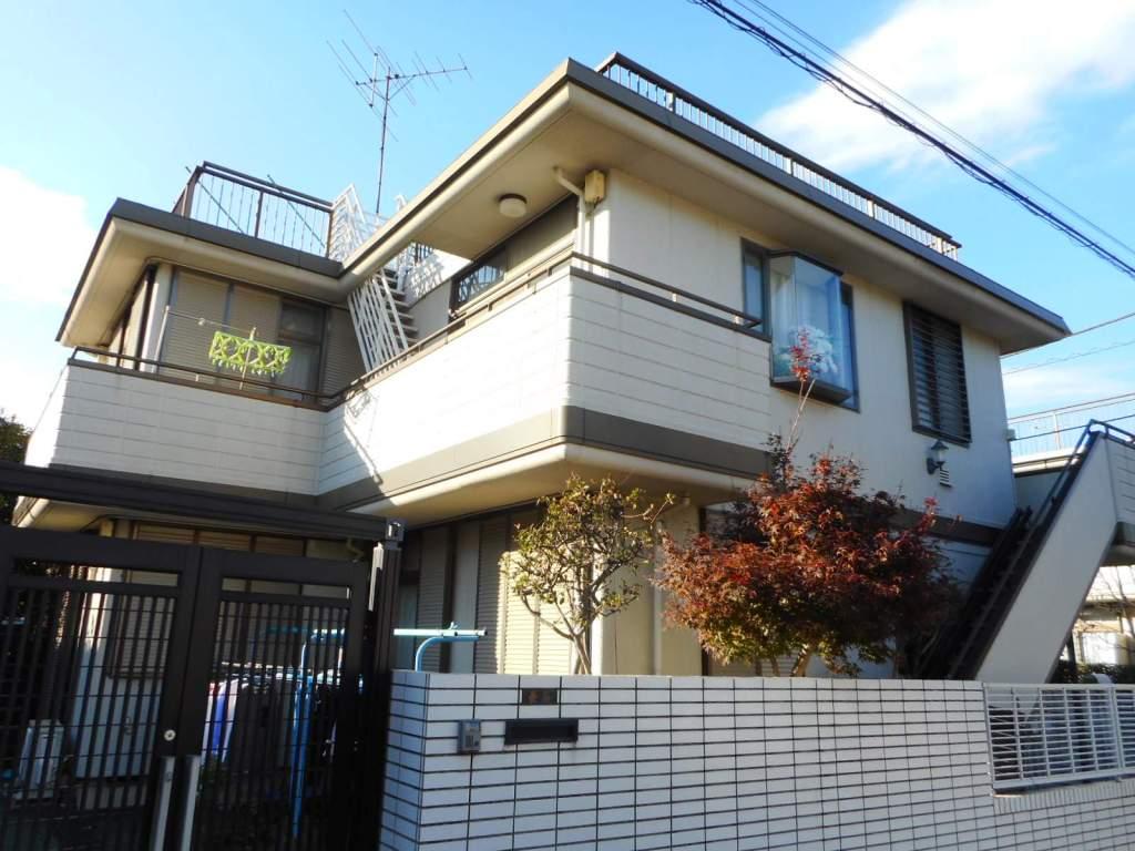 東京都調布市、国領駅徒歩16分の築32年 2階建の賃貸アパート