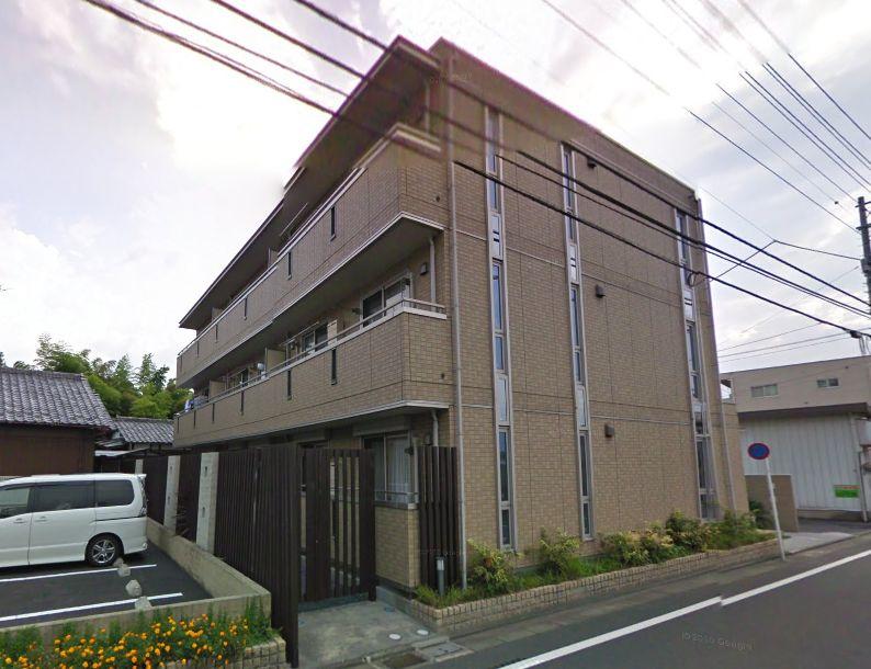 東京都調布市、三鷹駅バス21分晃華学園東下車後徒歩4分の築10年 3階建の賃貸アパート