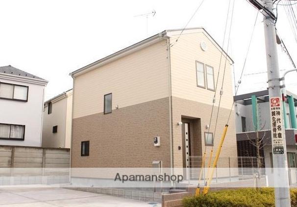 東京都調布市、調布駅バス11分深大寺小学校下車後徒歩2分の築5年 2階建の賃貸一戸建て