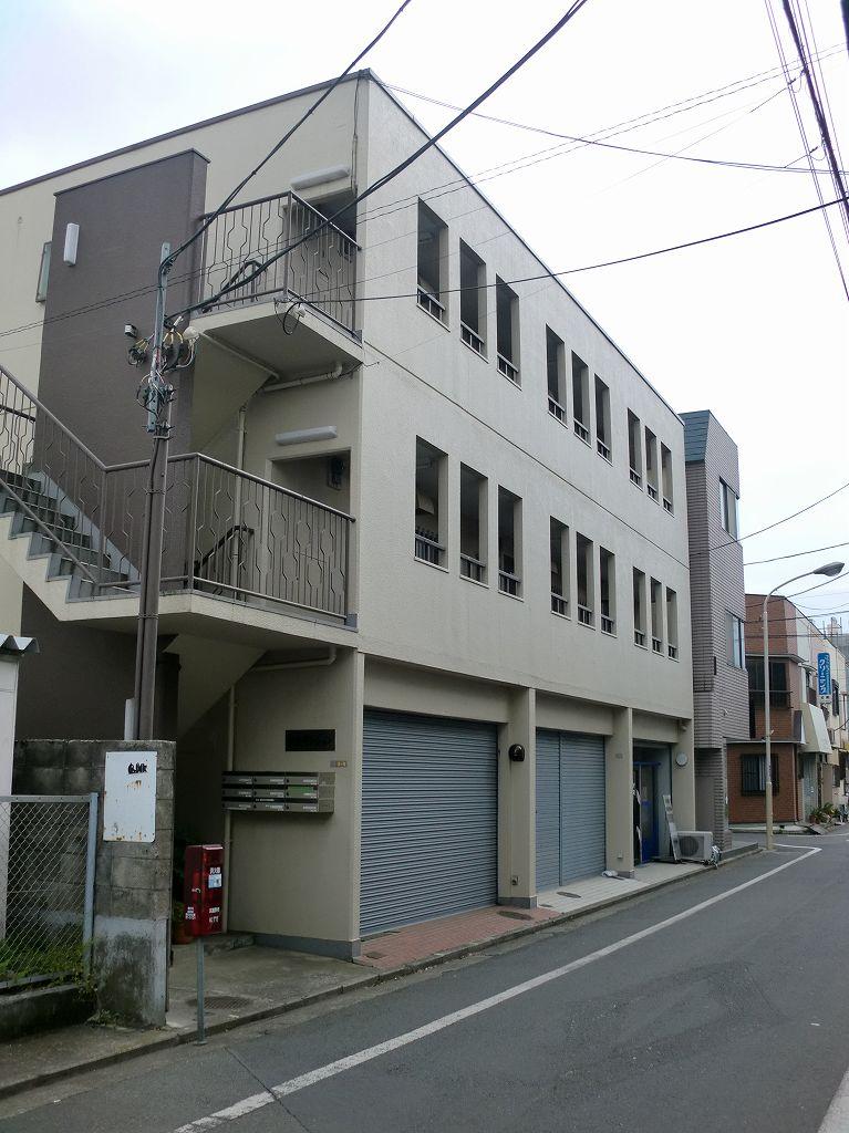 東京都武蔵野市、三鷹駅徒歩15分の築35年 3階建の賃貸マンション
