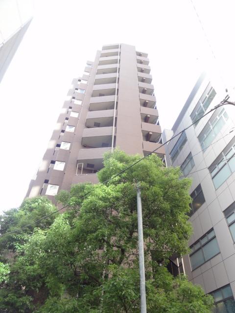 東京都千代田区、四ツ谷駅徒歩5分の築10年 14階建の賃貸マンション