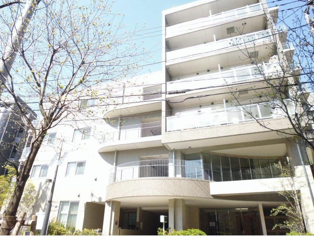 東京都新宿区、信濃町駅徒歩9分の築8年 8階建の賃貸マンション