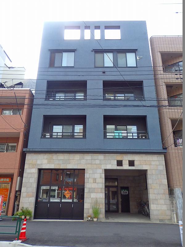 東京都新宿区、若松河田駅徒歩12分の築12年 4階建の賃貸マンション