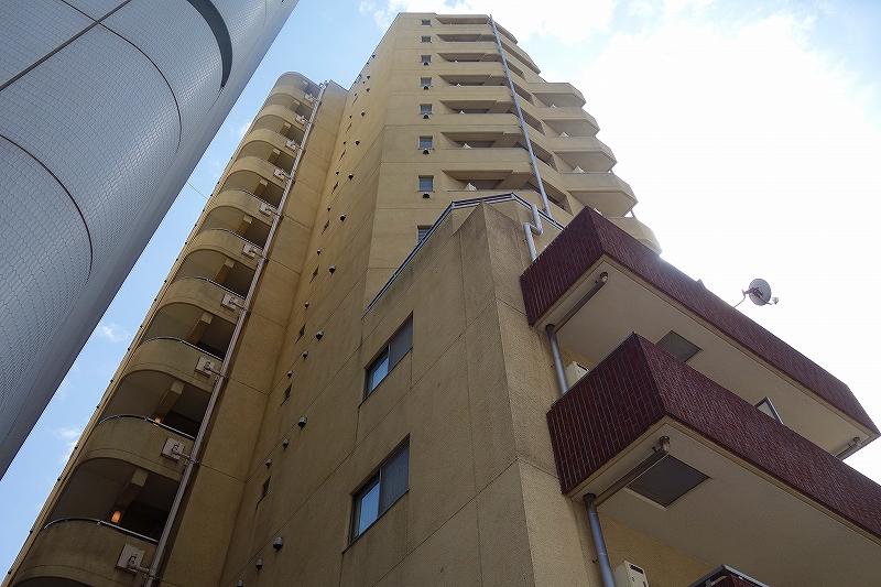 東京都新宿区、四谷三丁目駅徒歩5分の築13年 13階建の賃貸マンション