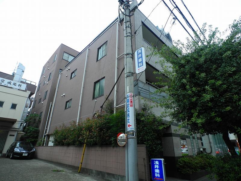 東京都新宿区、神楽坂駅徒歩12分の築22年 5階建の賃貸マンション