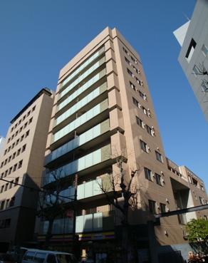 東京都新宿区、四谷三丁目駅徒歩8分の築10年 10階建の賃貸マンション