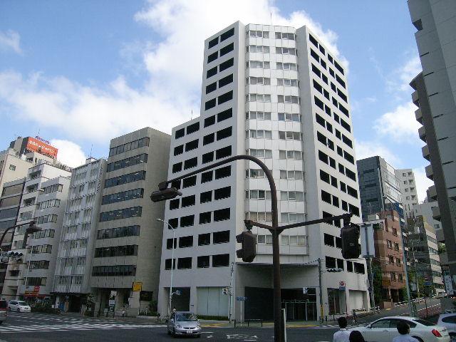 東京都新宿区、四ツ谷駅徒歩8分の築12年 14階建の賃貸マンション