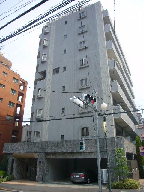 東京都新宿区、若松河田駅徒歩12分の築14年 10階建の賃貸マンション