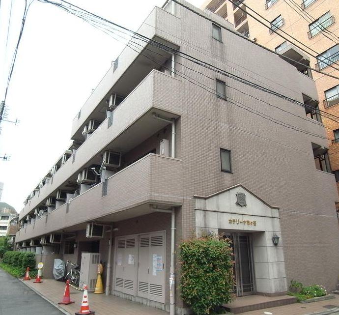 東京都新宿区、四ツ谷駅徒歩9分の築19年 5階建の賃貸マンション