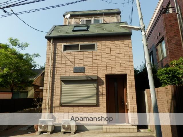 東京都新宿区、市ケ谷駅徒歩6分の築10年 3階建の賃貸マンション