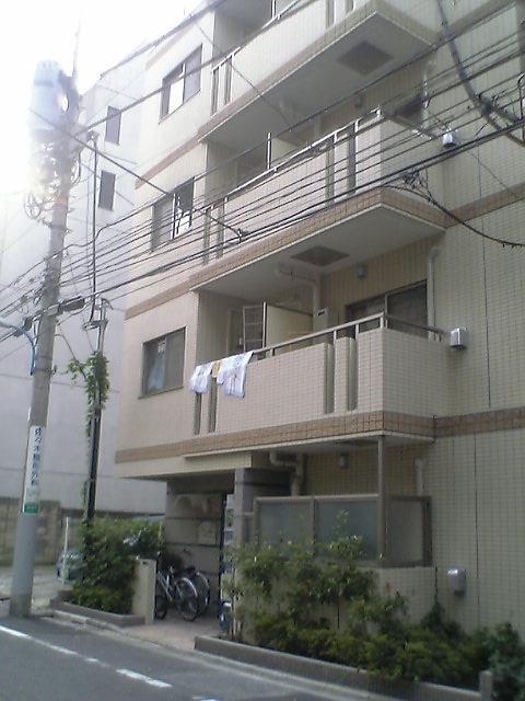 東京都新宿区、四ツ谷駅徒歩15分の築12年 6階建の賃貸マンション