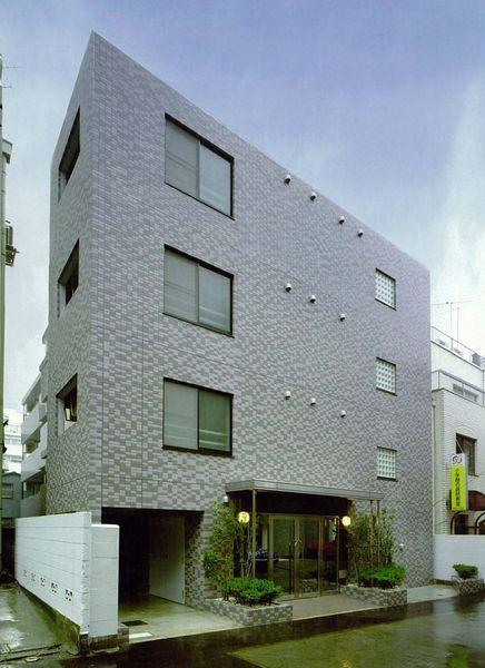 東京都新宿区、四谷三丁目駅徒歩5分の築18年 4階建の賃貸マンション
