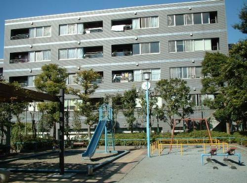 東京都新宿区、市ケ谷駅徒歩9分の築25年 4階建の賃貸マンション