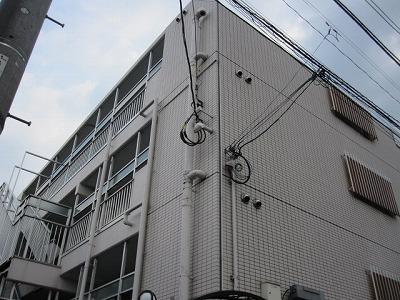 東京都立川市、立川駅徒歩14分の築25年 4階建の賃貸マンション