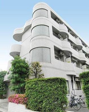 東京都調布市、調布駅徒歩18分の築28年 4階建の賃貸マンション